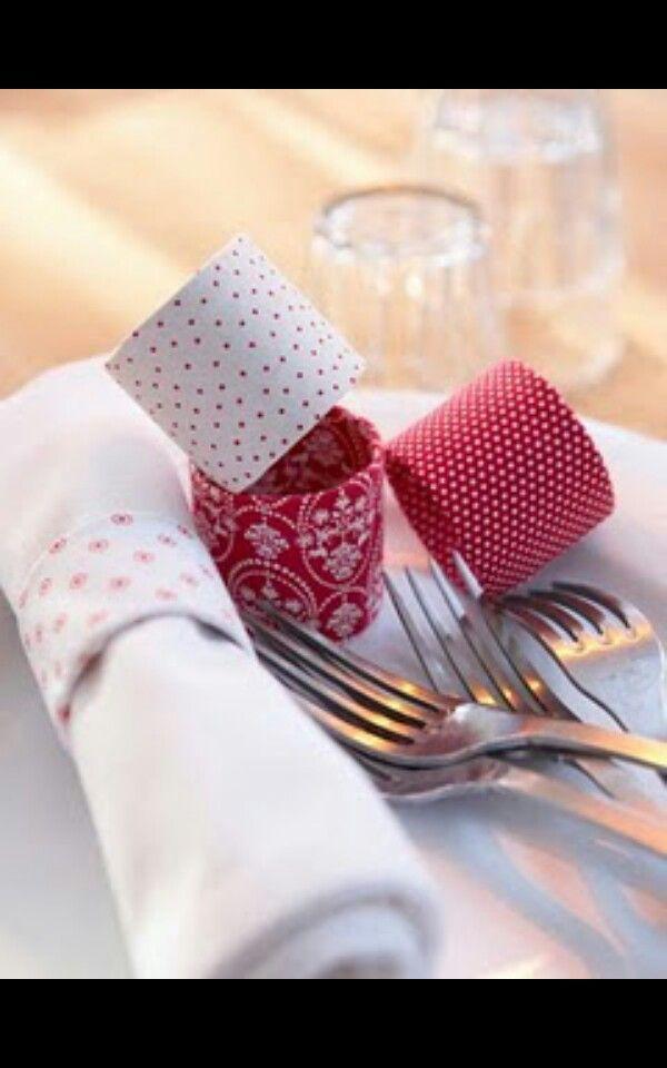 Porta guardanapos - rolinhos de papel higiênico + cola + tecido