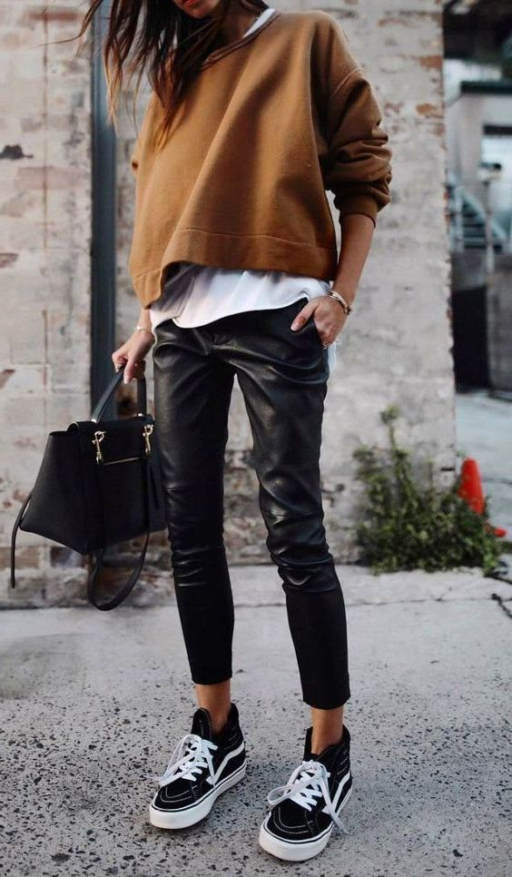Black Leather Pants To Wear This Fall 2019 #leatherpantsoutfit