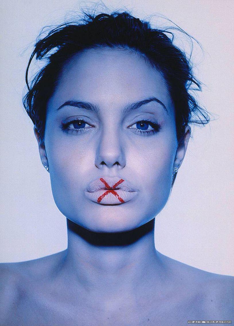 Closed Lips