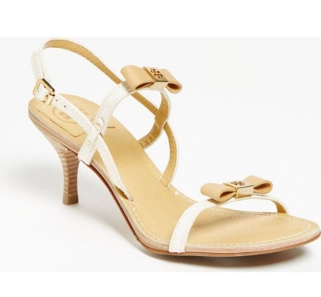 Tory burch Kailey Patent Bow Sandals in Natural | Lyst