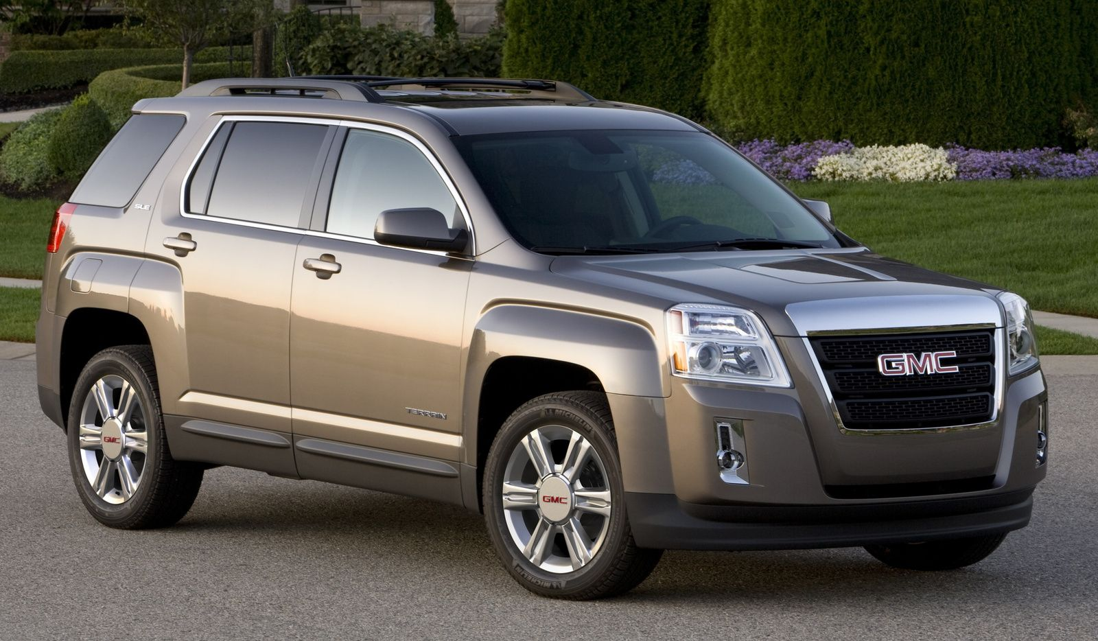 The 2015 Gmc Terrain Awd Sle Is A New Crossover Utility Vehicle Cuv You Can Afford For Around The Price Of Pi 31 415 Piday Gmc Terrain Gmc Terrian Gmc