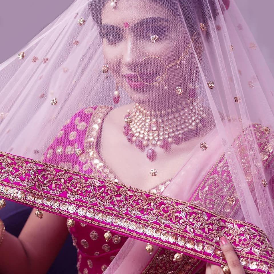 The party dont start until the bride walks in👰 . . . . Dm to book/enquiries . . . In frame:@designer_akanksha  Photography:@5hubhamkaushik . . . . #brides #bridalmakeup #bridesofindia #beauty #bridalaffair #bridetobe #weddingbells #wedmegood #ingl