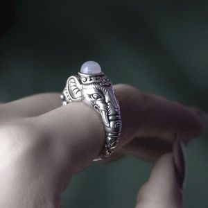 Gajah. Indian Elephant Sterling Silver Ring