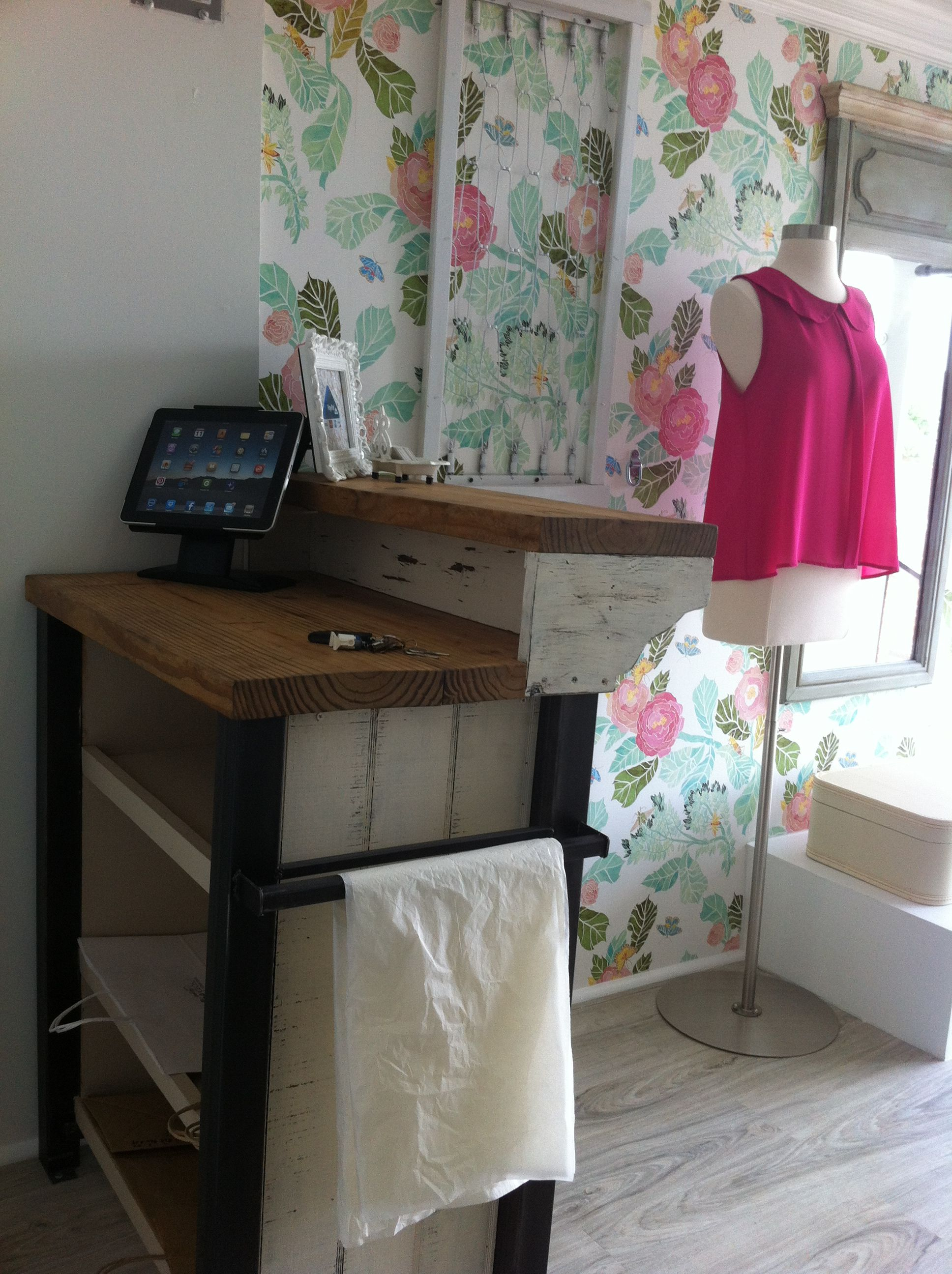 I design this cash counter comptoir caisse pinterest - Comptoir caisse pour institut de beaute ...