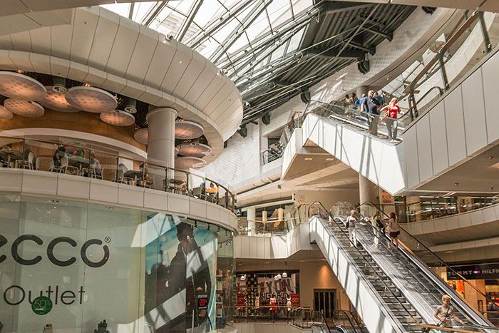 Easily Locate Shopping Amp Outlet Malls In Your Area From The Most Reputable Online Directory Satisfy Your Shopping Needs Malls Near Me Shopping Mall Stairs