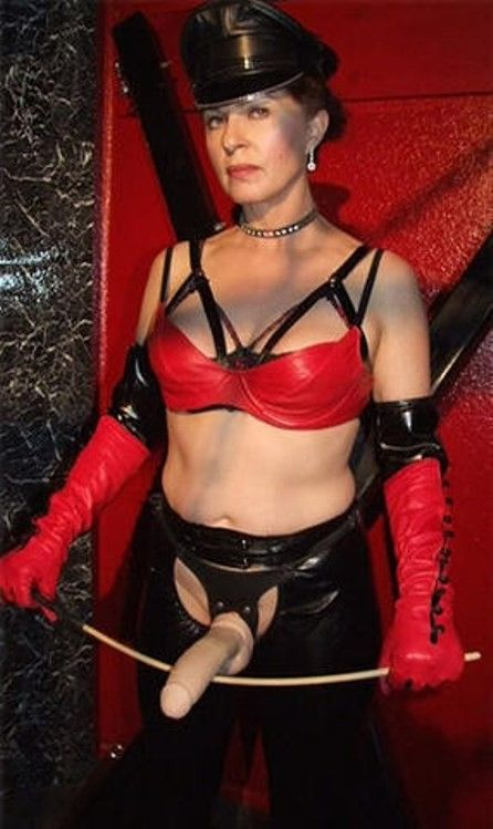 Mature Female Authority Obey And Live Pinterest Dominatrix Beautiful Ladies And Leather