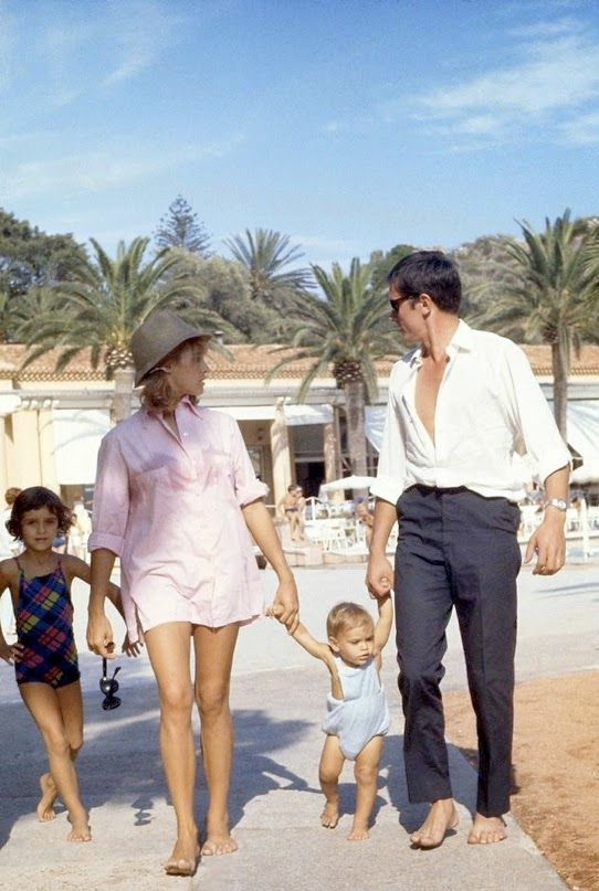 Alain And Nathalie Delon With Anthony In Saint Tropez Alain Delon Style Style Icons