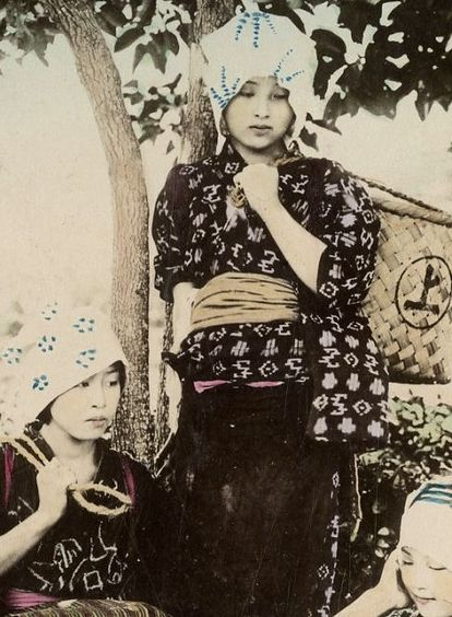 thekimonogallery: Tea gatherers. Late 19th century, Japan....