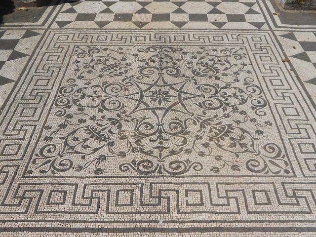 Gorgeous Mosaic Tile Pattern Greek Key Esque Border From