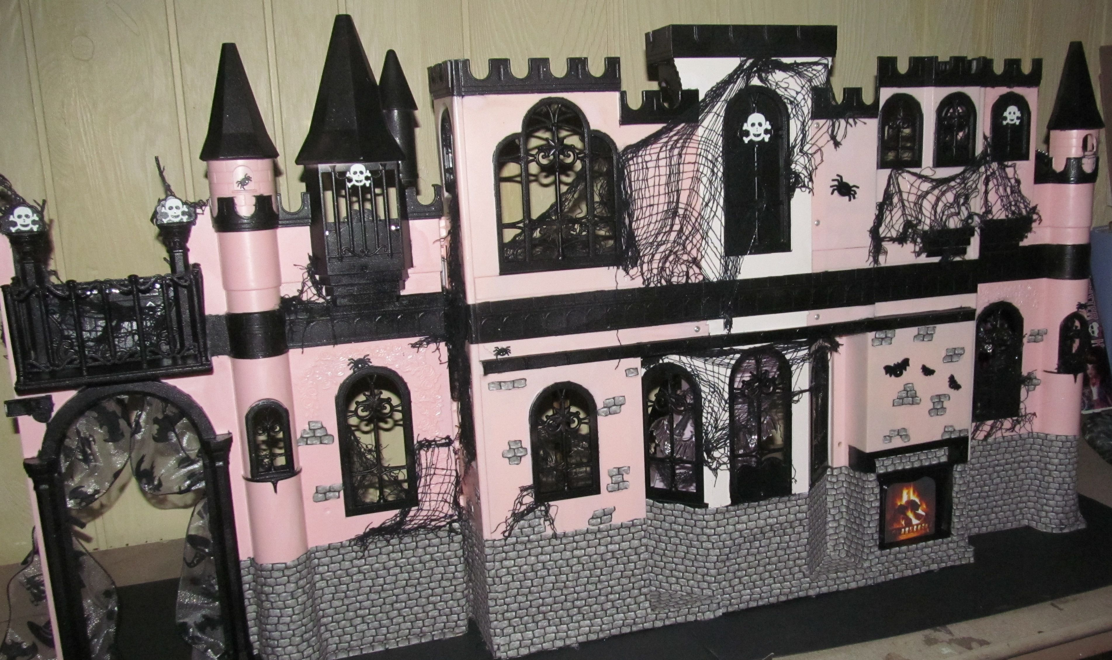 Картинки домов для кукол монстр хай