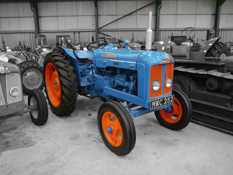 fordson super major diesel engine