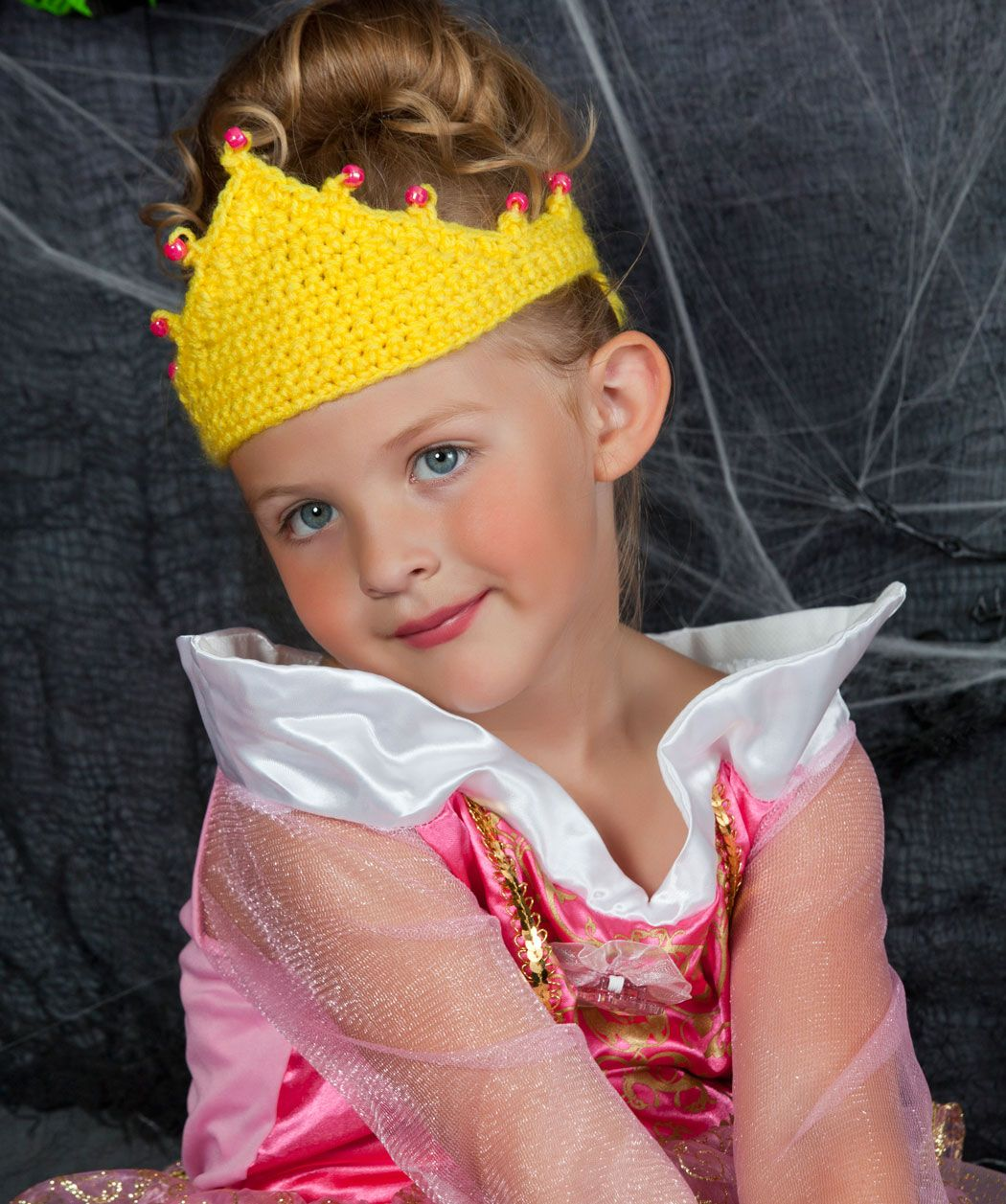 Tiara for a princess crochet pattern crochet halloween let your little girls dream of being a princess come true with this free crochet pattern princesses are one of the most popular halloween costume ideas bankloansurffo Image collections