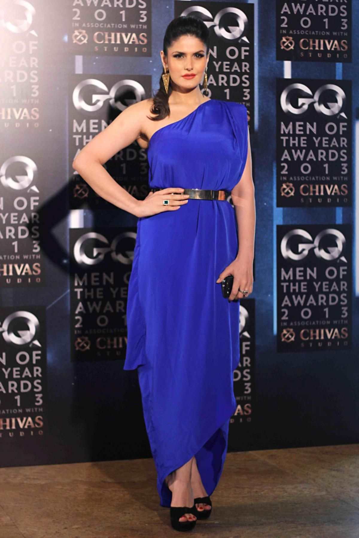 Zarin Khan sexy Tapete