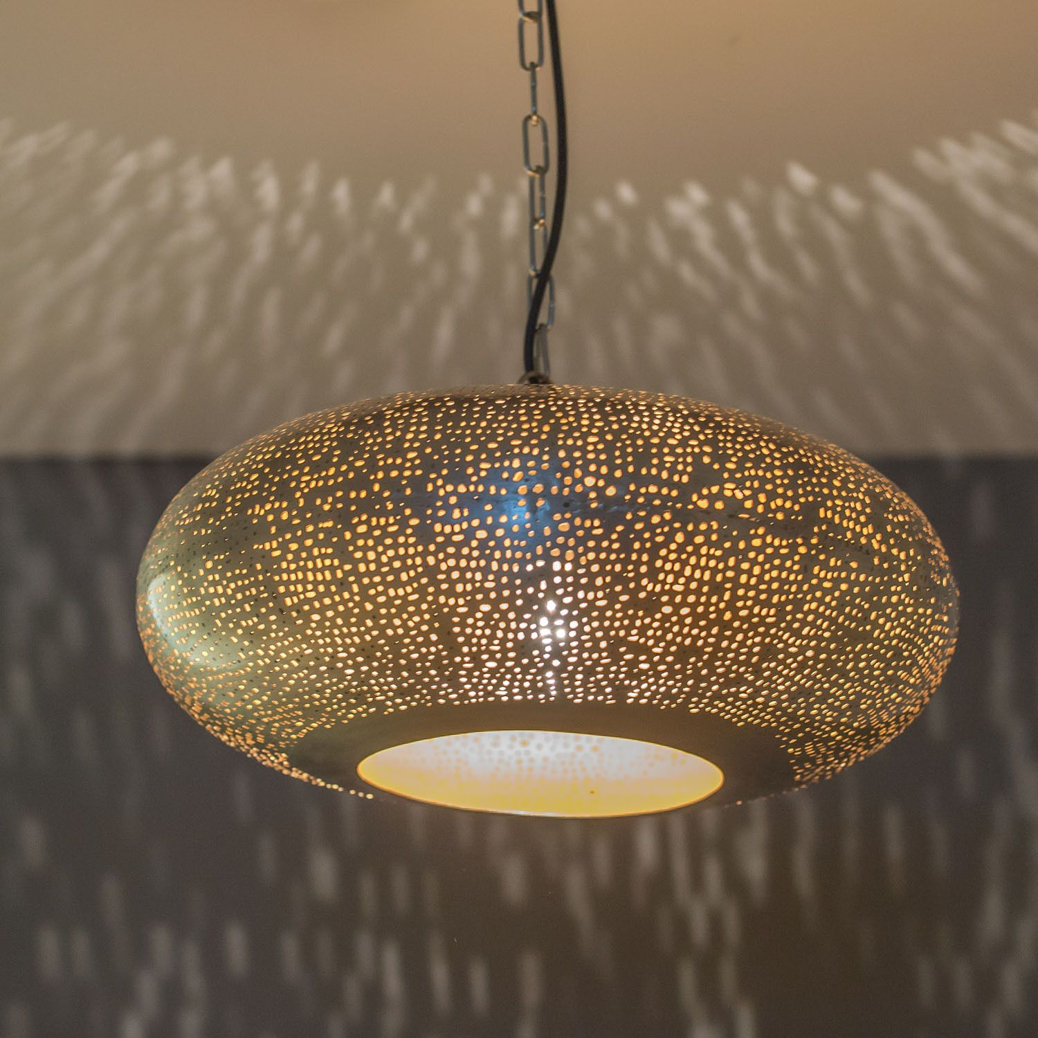 Emporio moroccan lights marrakesh handmade chandelier oval tyre mesh emporio moroccan lights marrakesh handmade chandelier oval tyre mesh etch design arubaitofo Gallery