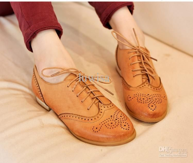 Womens Shoes Oxford Vintage Cut Out Style Oxfords British Style Lace Up Front Flat Shoes