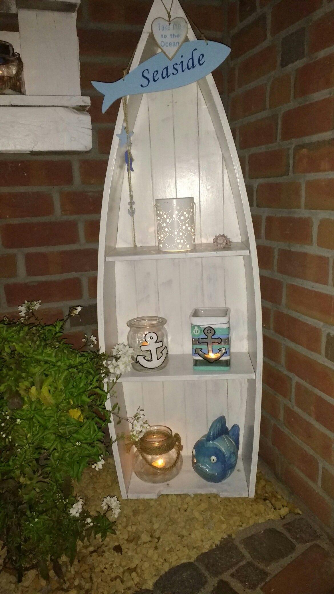Maritimes Boot Regal Mit Selbst Gestalteter Passender Dekoration Maritime Deko Boot Regal Deko