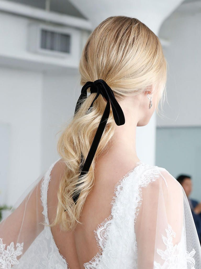The Prettiest Hair Inspo From The Runway Classic Wedding Hair