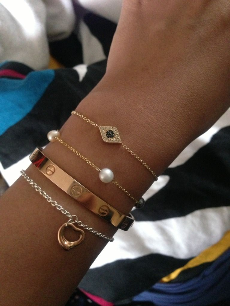 What can I stack with Cartier love bracelet? - HoooGoods