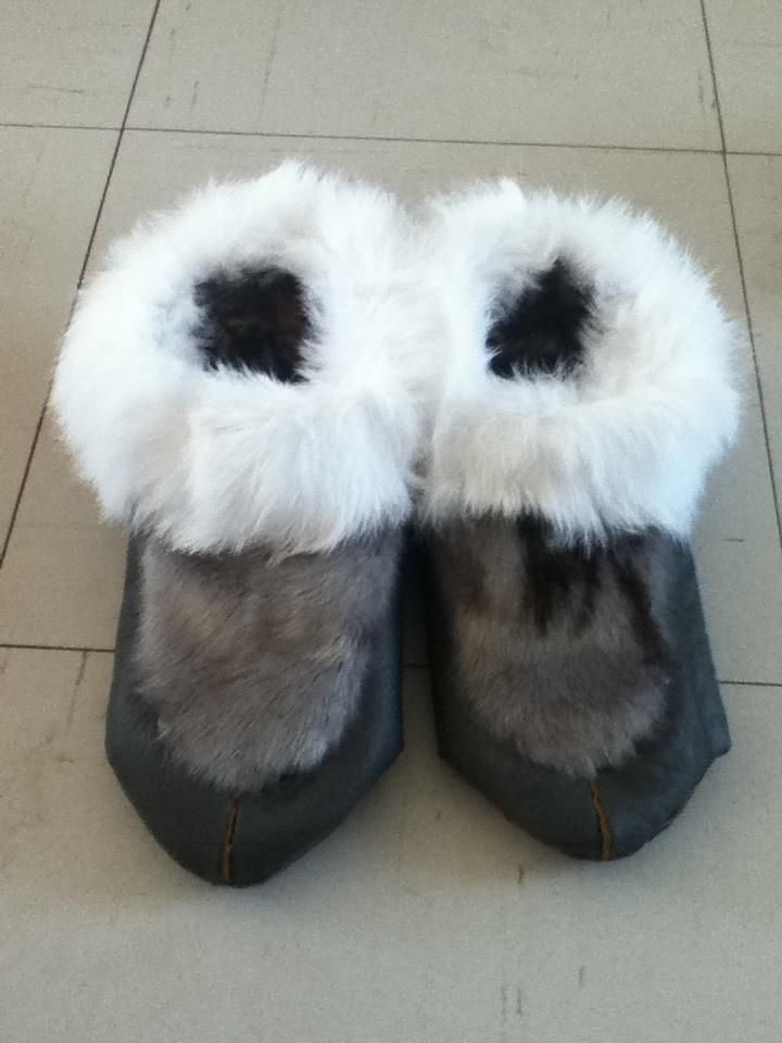 Inuit made sealskin slippers by Linda Inukpuk | Things to