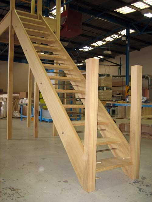 Best Hardwood External Staircases External Staircase 400 x 300