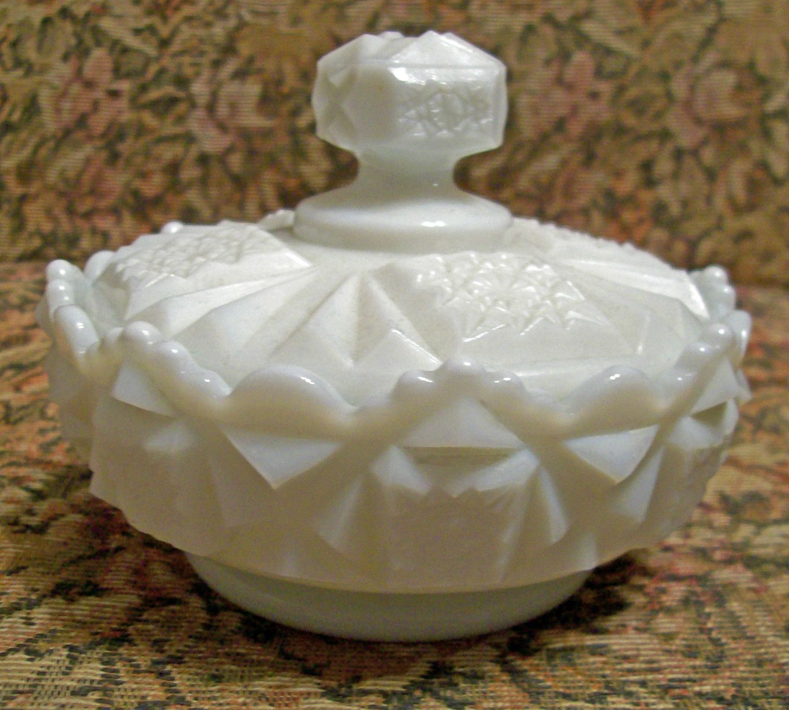 Westmoreland covered candy dish, old quilt pattern   Candy ...