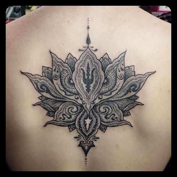 lotusbl ten tattoo r cken google suche mandala pinterest tattoo ideen tattoo r cken und. Black Bedroom Furniture Sets. Home Design Ideas
