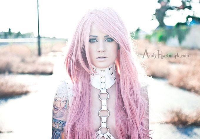 Kelly Eden, linda e tatuada! #mulherestatuadas #tattoo #tatuagem #tattooplace #inked #inkedgirls www.tattooplace.com.br