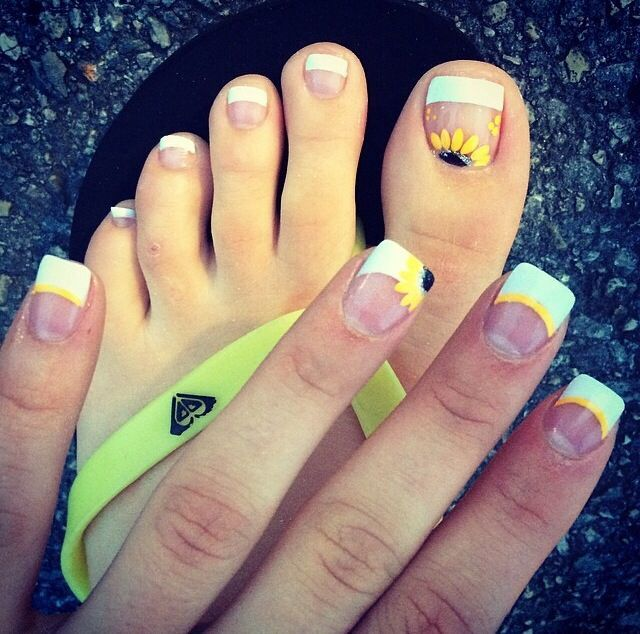 Sun flowers with bright tips Summer nails | Uñas | Pinterest ...