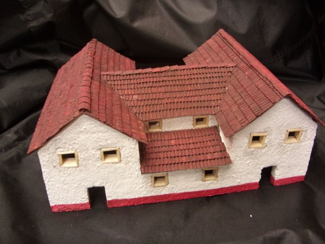Making a roman house model