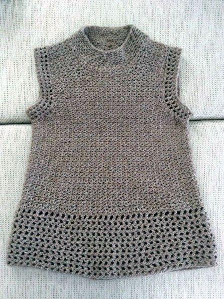 9717e3b4810 Αμάνικη μπλούζα που έπλεξε η Μ.Σεμινάριο Πλέξιμο με Βελονάκι Γ΄Κύκλος