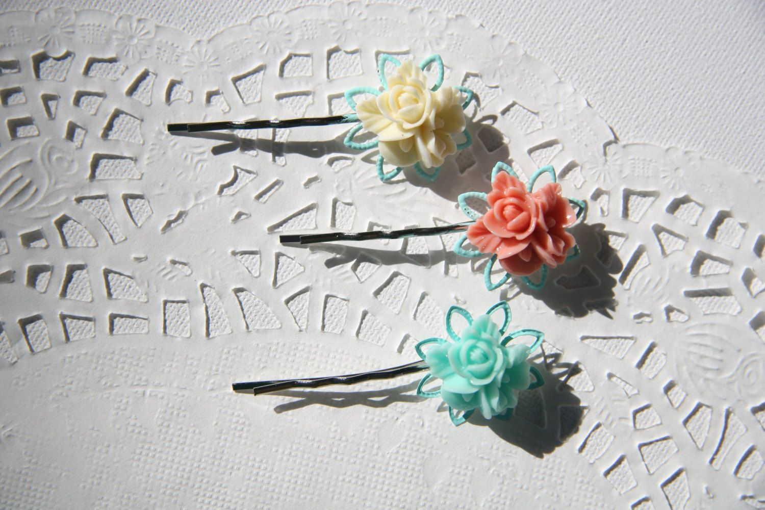Cabochon utopia set of 3 filigreebobby pins flower rose mademoiselle victorianshabby chic pin clip barrette mint white pink by EtsyNazi on Etsy