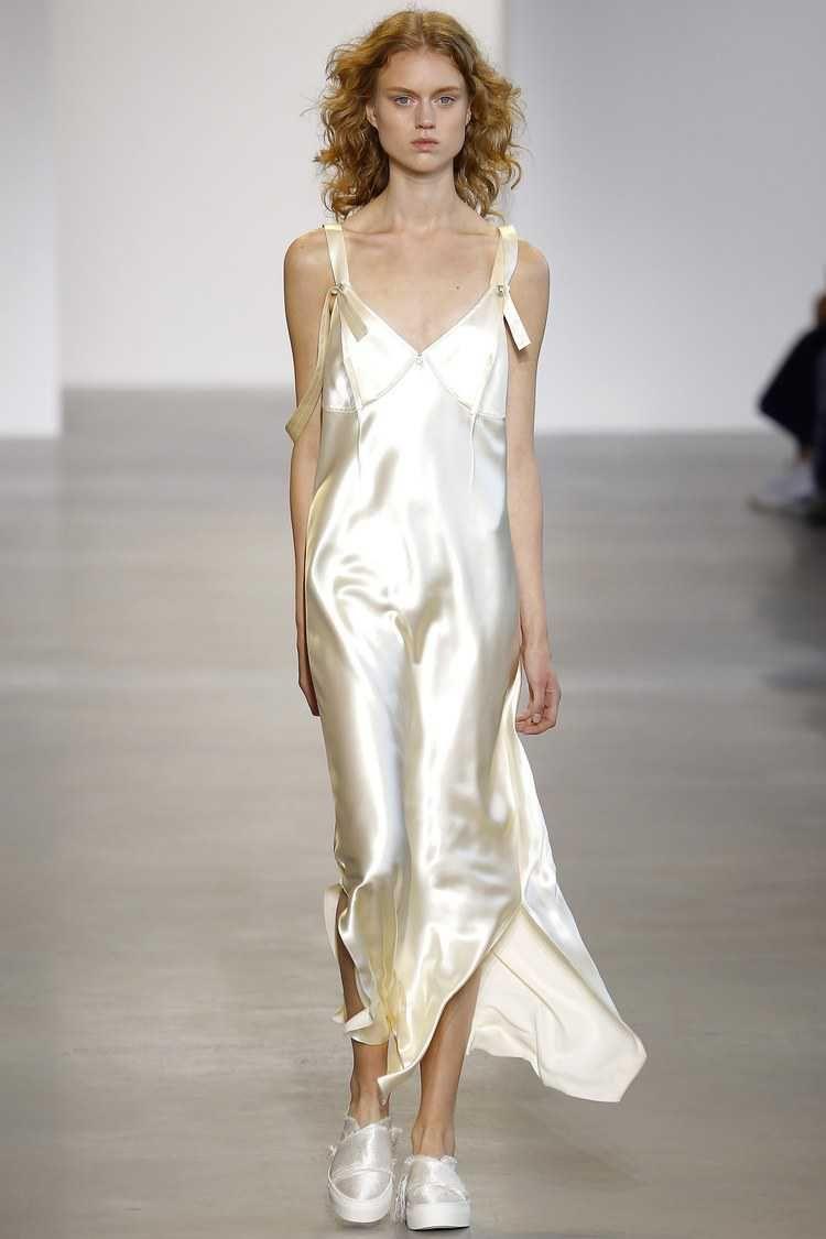 Resultado de imagem para Slip Dress Assimtrico  Calvin Klein
