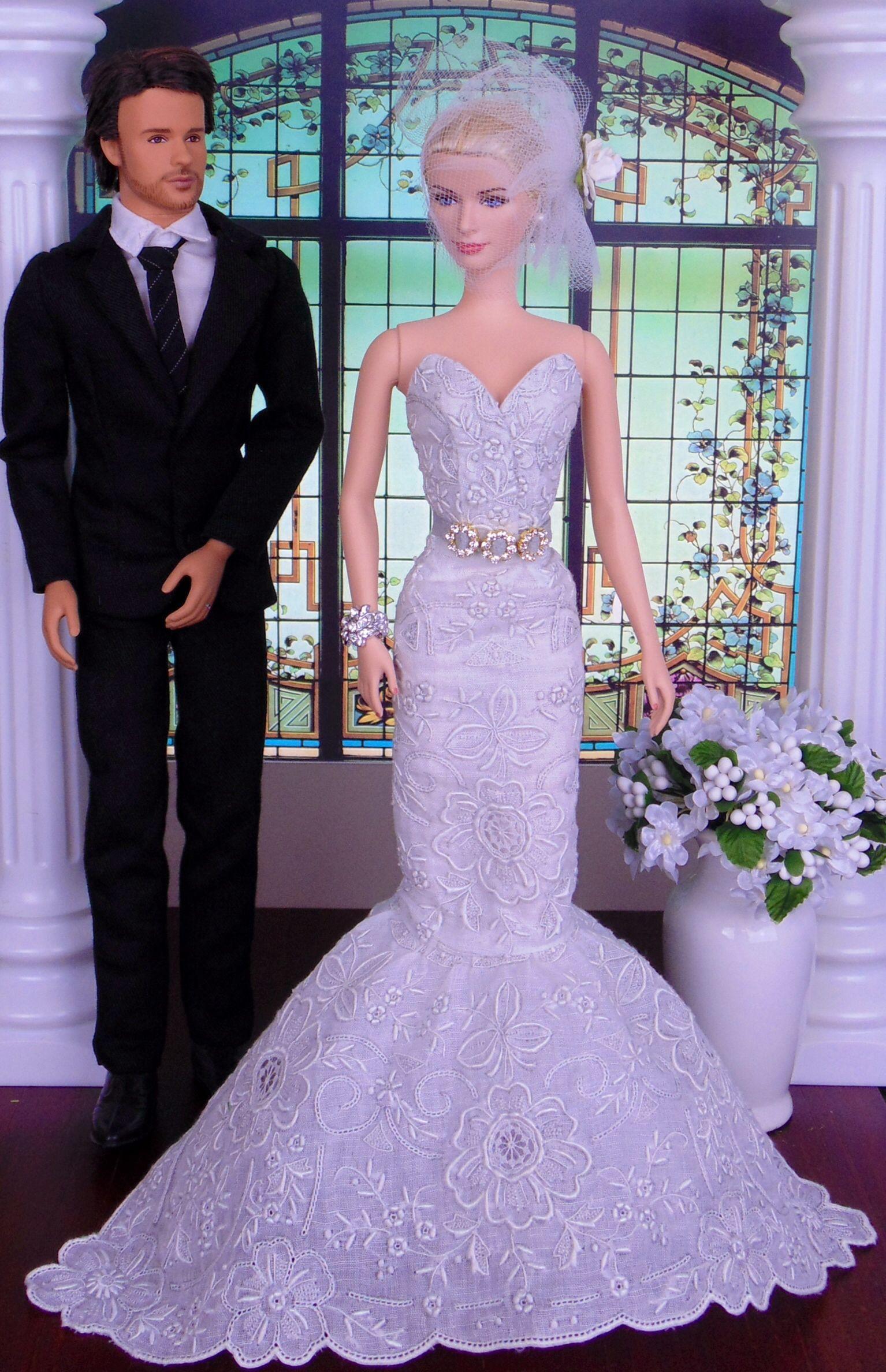 Wedding dress by Hankie Chic   DOLLS WEDDING DRESS   Pinterest ...