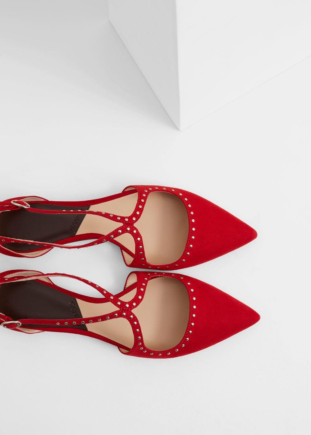 Sapato raso tachas | MANGO