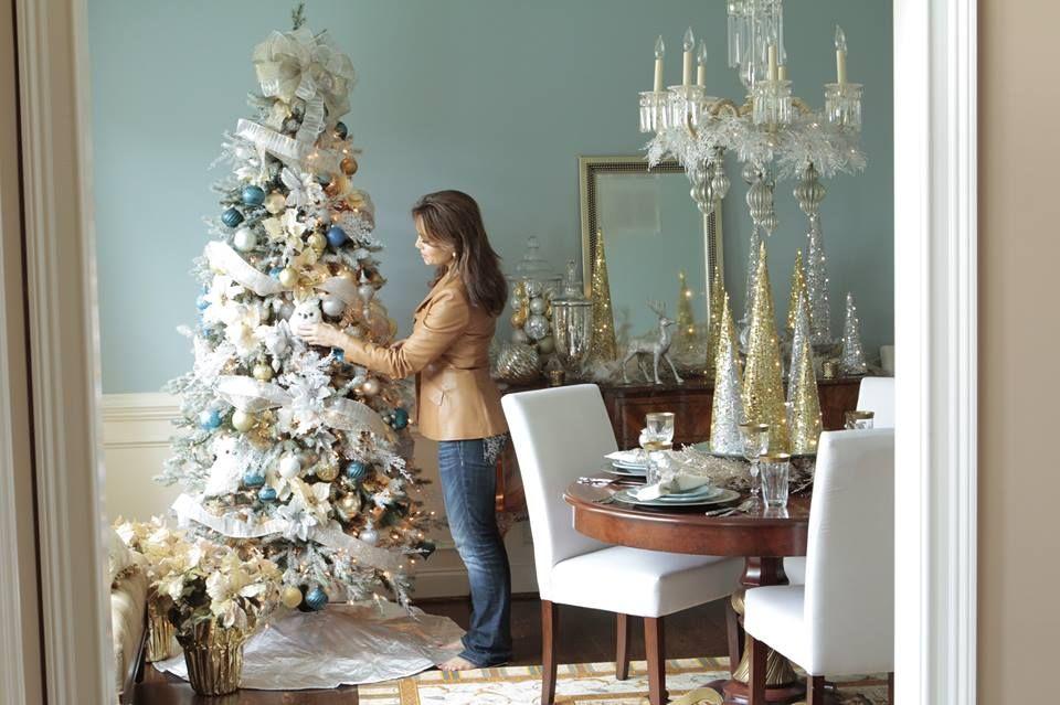 Lisa Robertson decorated tree