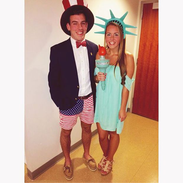 42 Halloween Costumes For Extremely Cute Couples Easy Couple Halloween Costumes Cute Couple Halloween Costumes Easy Couples Costumes