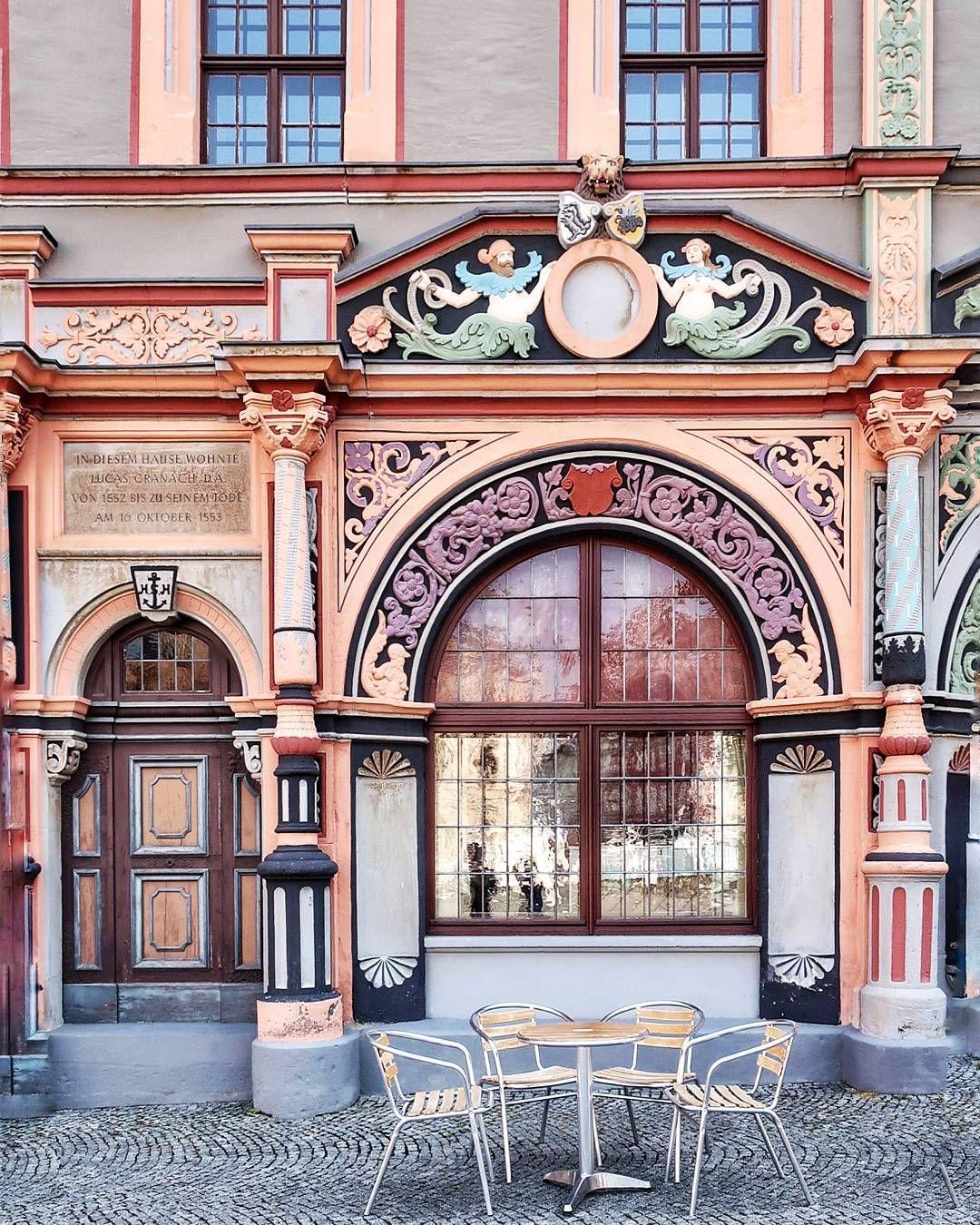 Questi Pittori Tedeschi Di Successo Che C Avevano Le Case Belle Nella Piazza Principale Della Citta Riccanza Weimar In 2020 Places To Go House Styles Weimar