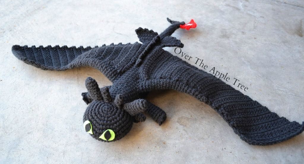 Crochet Toothless from How To Train Your Dragon, Over The Apple Tree ...