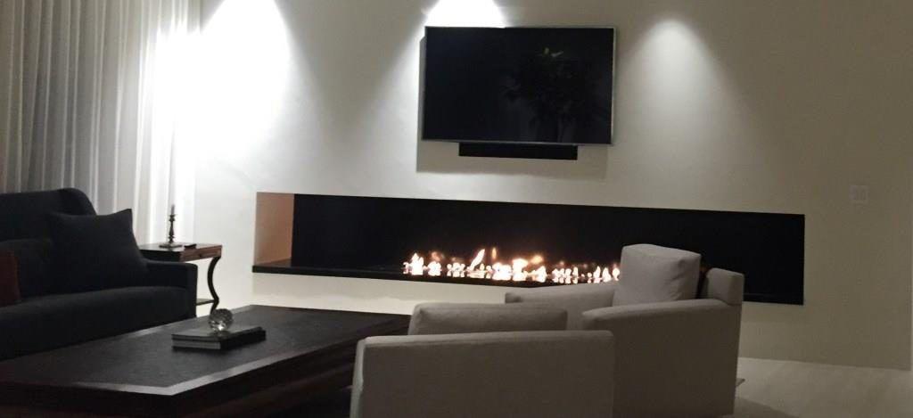 cheminee ethanol design cheminee ethanol et television une approche moderne et design. Black Bedroom Furniture Sets. Home Design Ideas