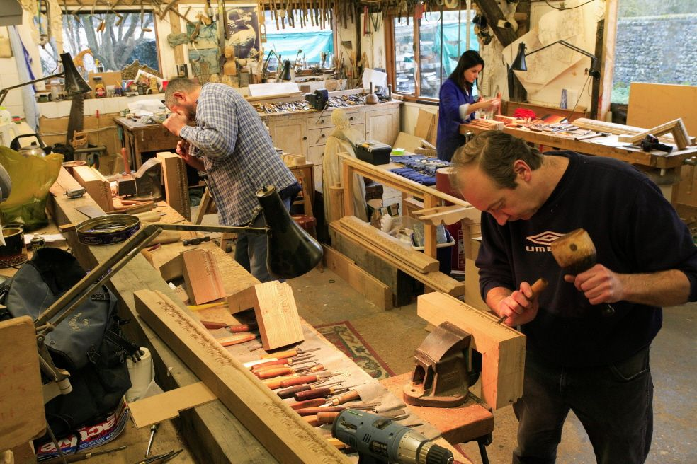 A busy is a happy lillyfee woodcarving