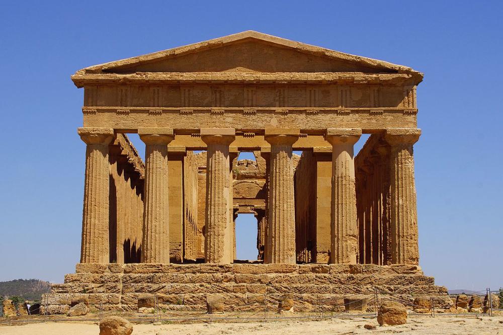 Pin De Emma Kidman En Griegos Romanos Arquitectura Griega Antigua Templo Templo De Juno