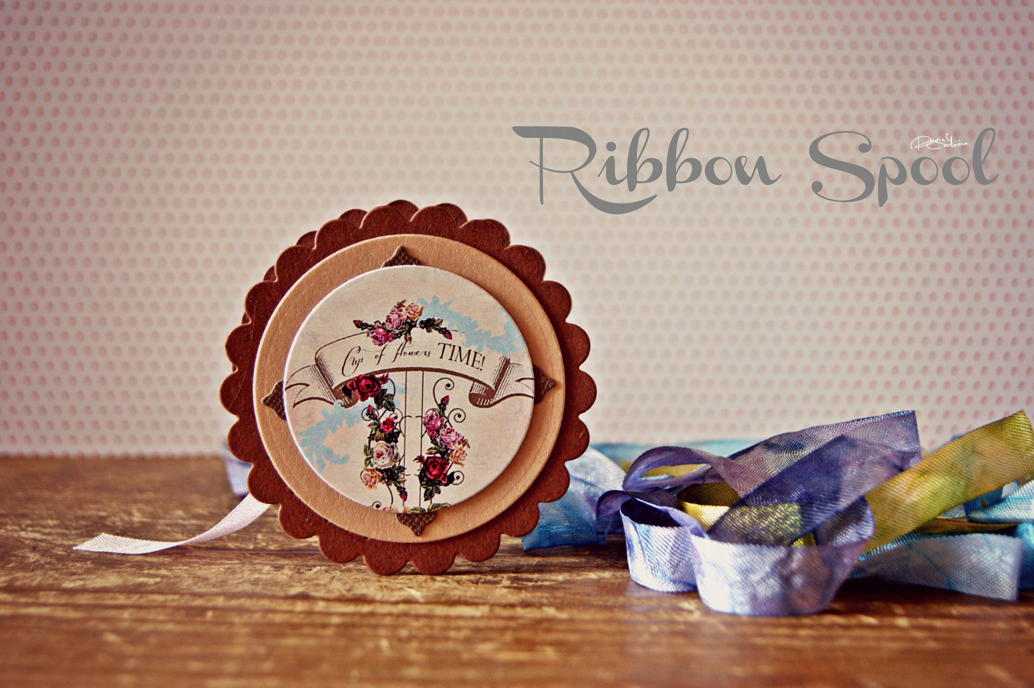 http://lollyrot-scrapbooking.blogspot.ro/2013/01/ribbon-spool-recycle.html