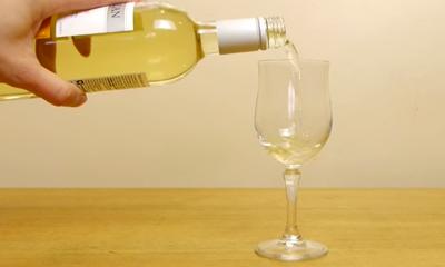 Nooit meer lauwe wijn, zo heb je je wijn binnen enkele seconden koud