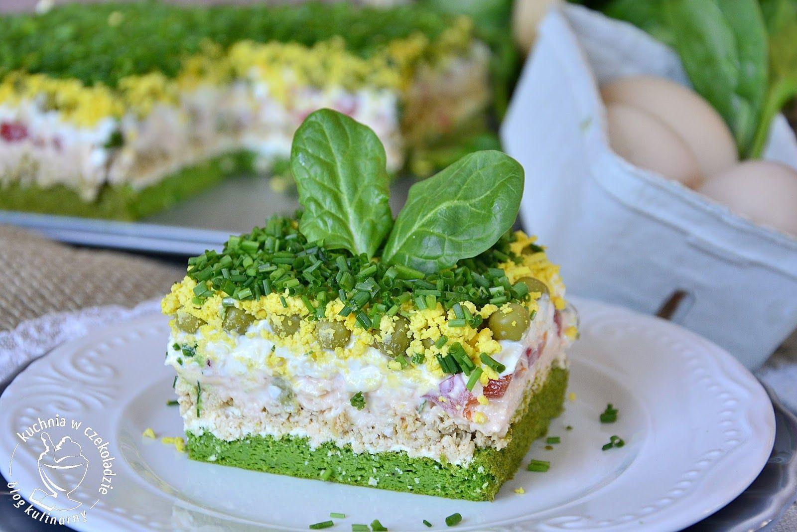 Salatka Tortowa Tort Salatkowy Z Kurczakiem Na Szpinakowym Biszkopcie Z Jajkami Ze Szczypiorkiem Wiosenna Salatka Salatka Na Food Food And Drink Salads