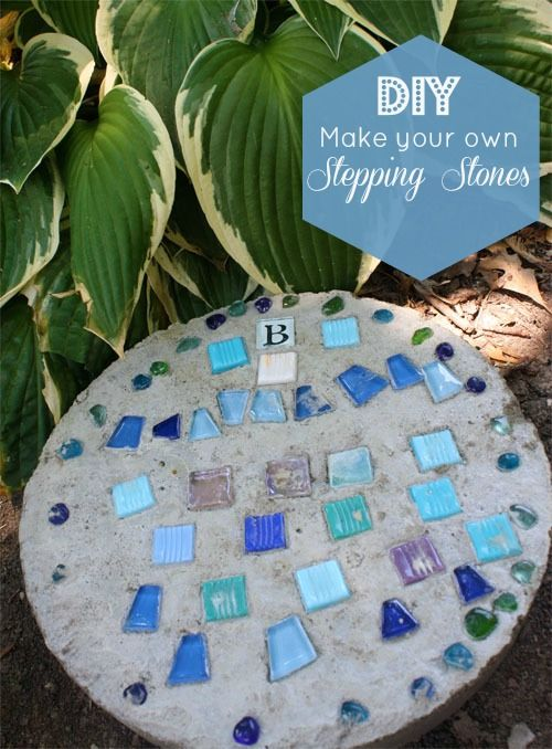 Make your own stepping stone using concrete - this would be a great addition to our backyard!