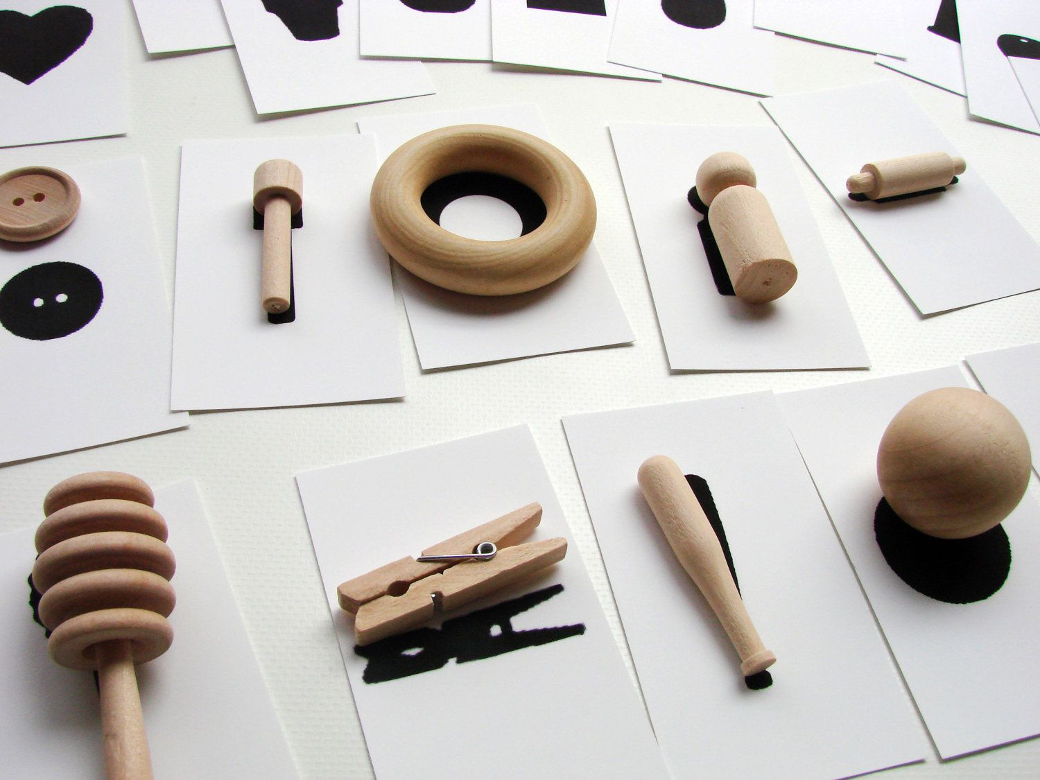 Little Details – A Montessori and Waldorf Inspired Wooden Art Toy