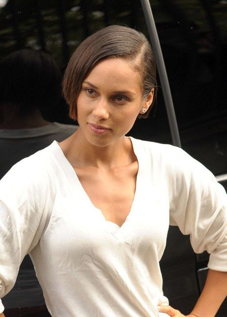 Outstanding Alicia Keys Latest Hairstyle Short Bob Haircut Carres Cles Et Short Hairstyles For Black Women Fulllsitofus