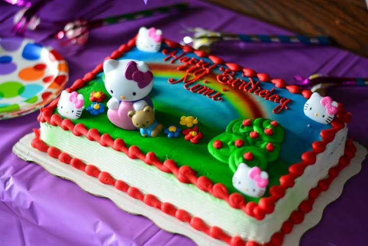 Wondrous How To Throw An Easy Hello Kitty Birthday Party A Giveaway Hello Personalised Birthday Cards Paralily Jamesorg