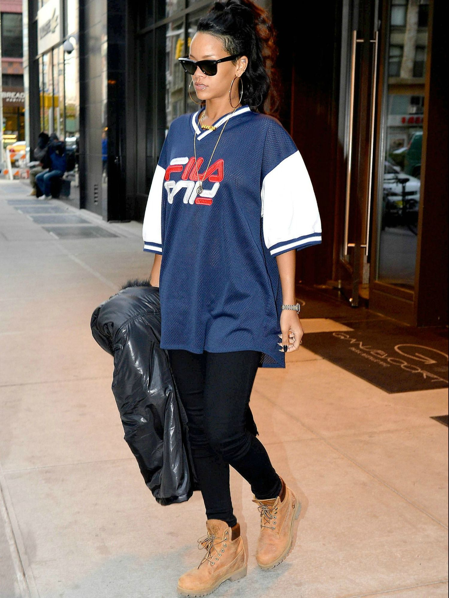 Rihanna hits the streets of NYC in style with these Timberland 6