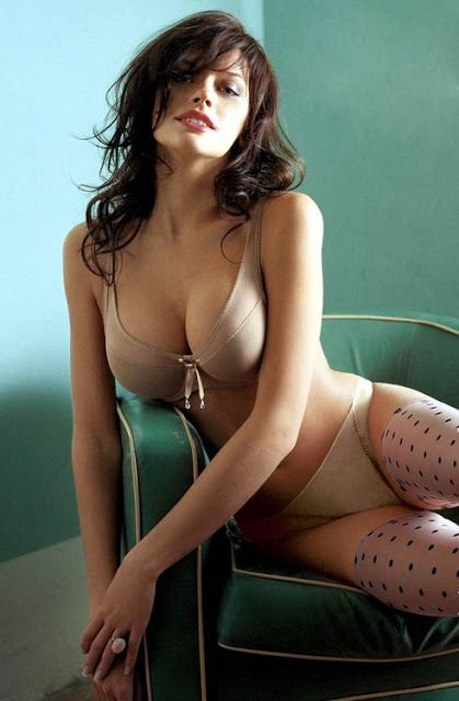 body hot Anne hathaway